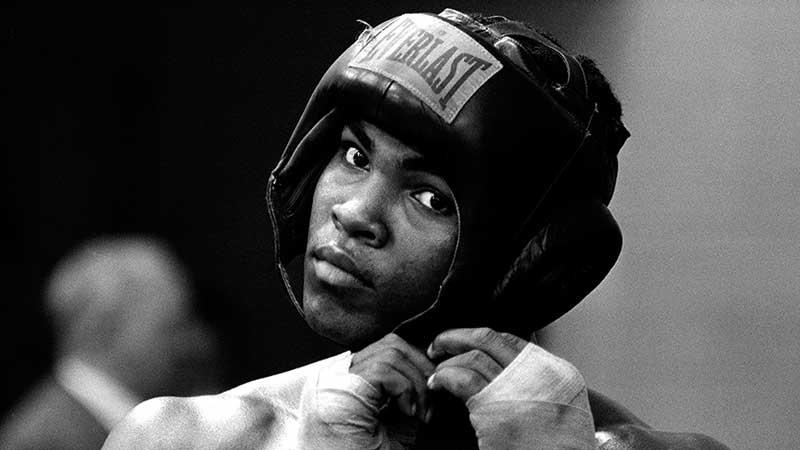 Мохаммед Али стал чемпионом мира по боксу трижды