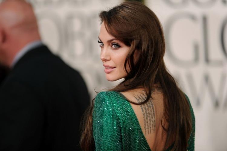 Джоли увлеклась артхаусом