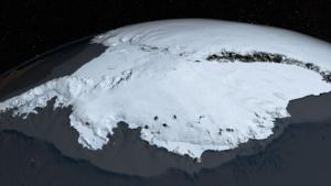 Исследователи измерили, какой толщины лед вокруг Антарктиды