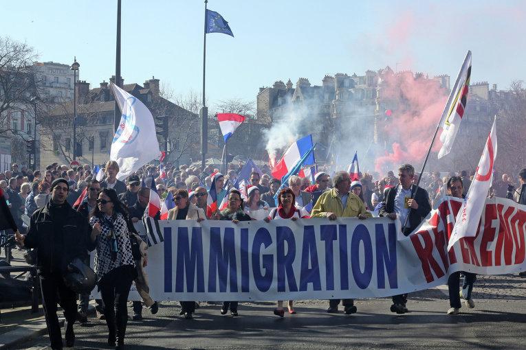 Националисты Италии требуют изгнания иммигрантов