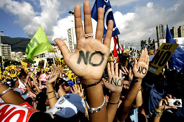 Студенты Италии провели марши протеста по всей стране