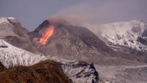 Вулкан Швелуч и прочие вулканы начали извержение