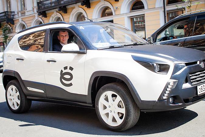Ё-мобиль или «ЗиЛ-мобиль», как теперь называть новшество российского автопрома
