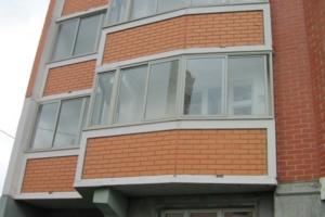 Оптимальные способы остекления балкона в доме П 44т